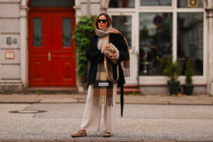 как да носим стилно шал